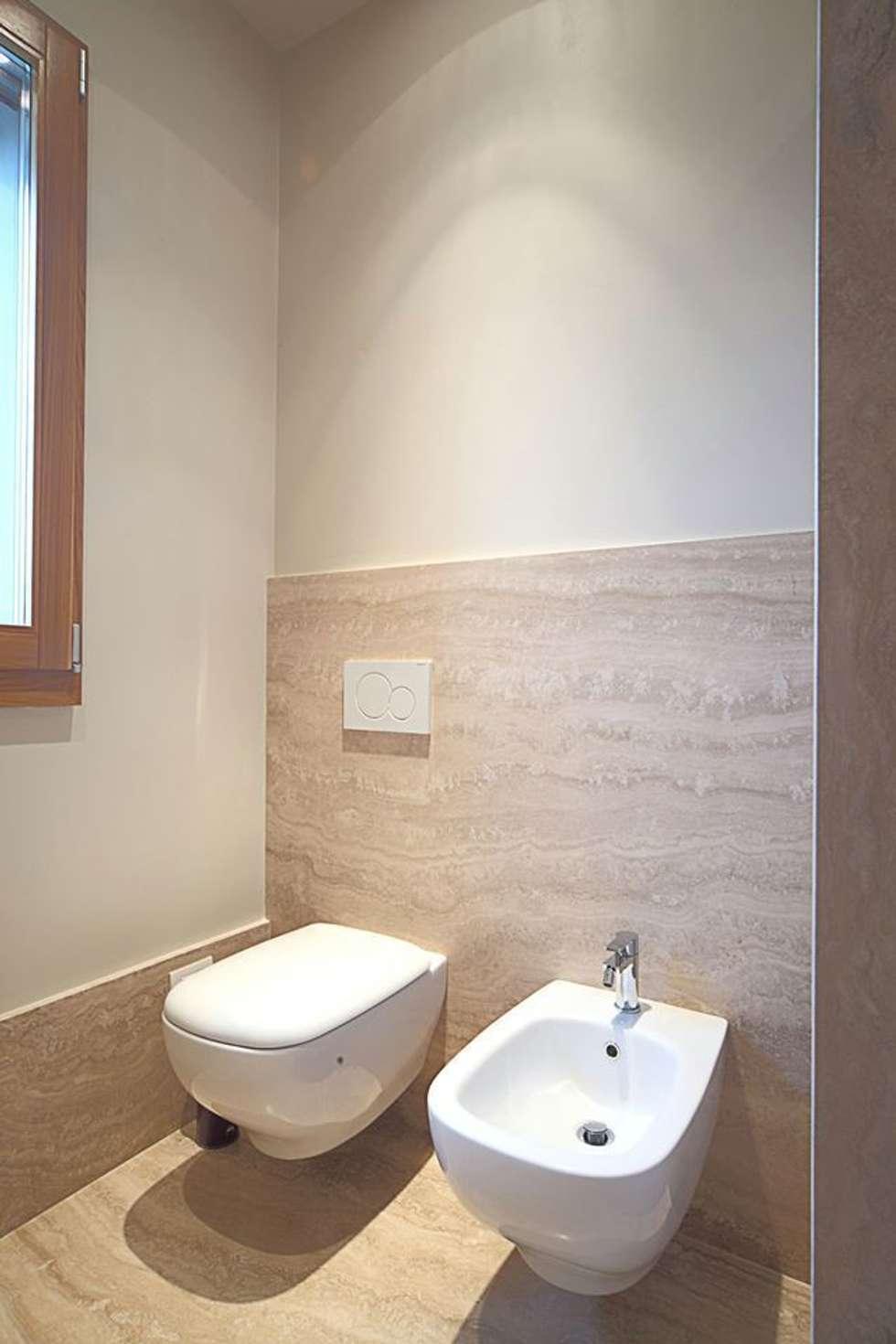 Idee arredamento casa interior design homify - Bagno travertino ...