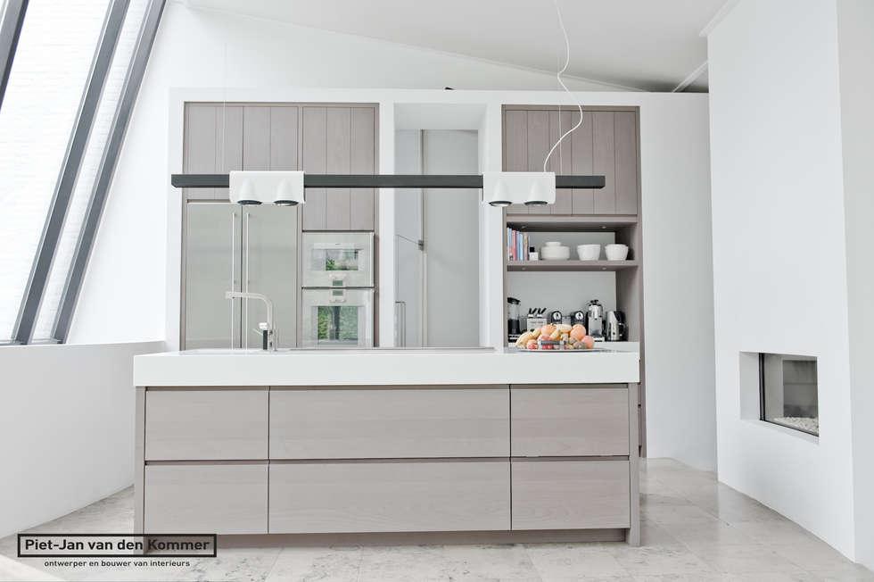 Keuken: moderne Keuken door Piet-Jan van den Kommer