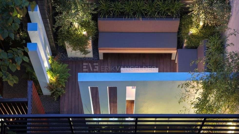 Ontwerp van kleine stadstuin <50m2: moderne Tuin door ERIK VAN GELDER   Devoted to Garden Design