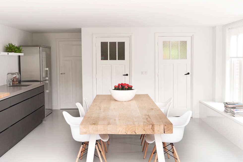 Ontwerp aanbouw leefkeuken: moderne Keuken door Jolanda Knook interieurvormgeving