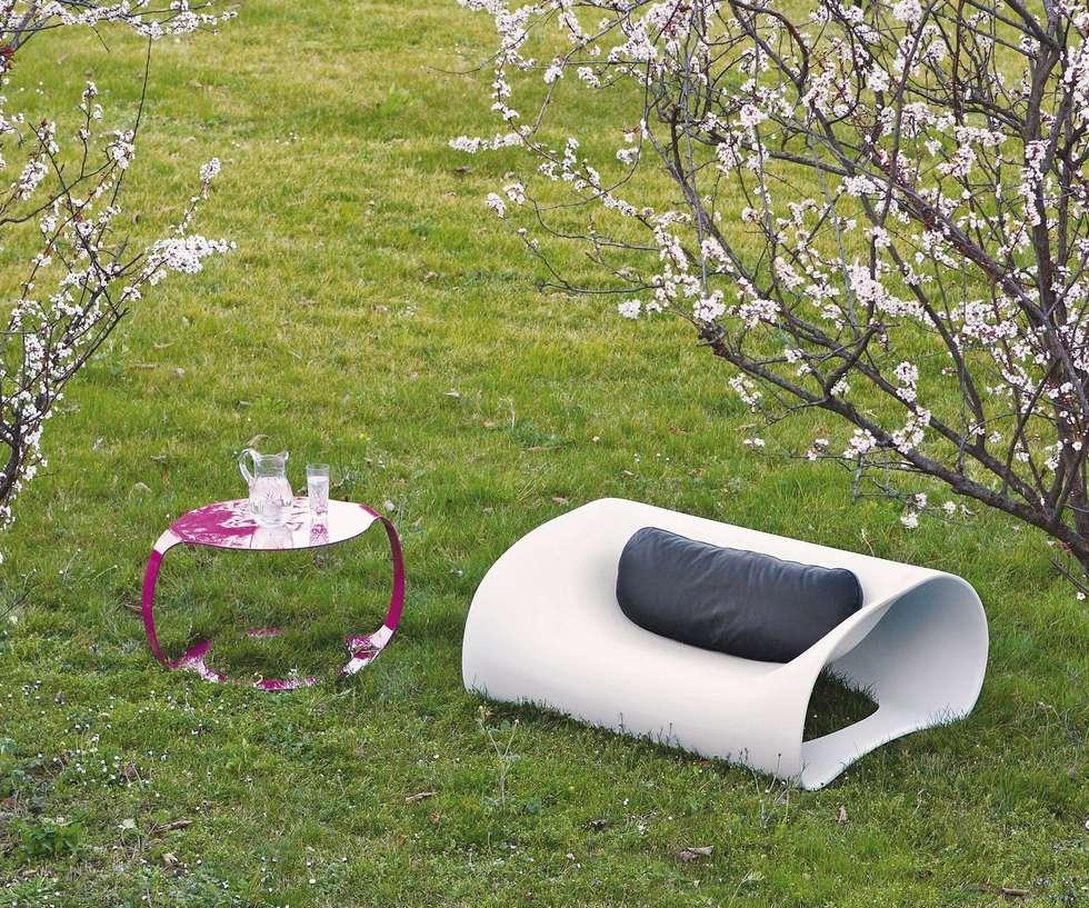 Soft Pill Sessel: minimalistischer Garten von Livarea