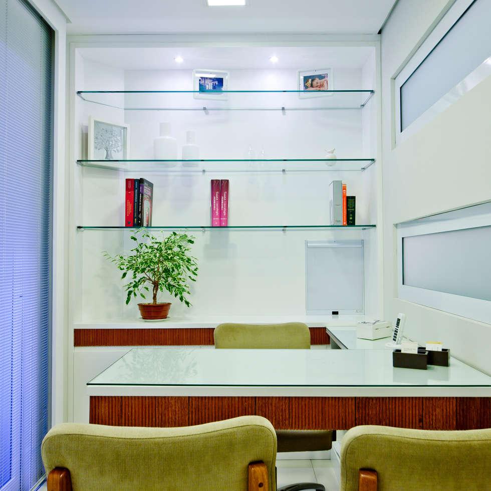Consultório: Spas modernos por Enzo Sobocinski Arquitetura & Interiores