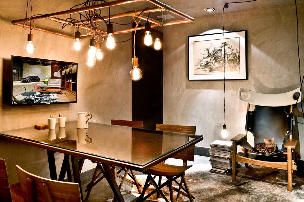 Sala de reuniões : Escritórios  por 1:1 arquitetura:design