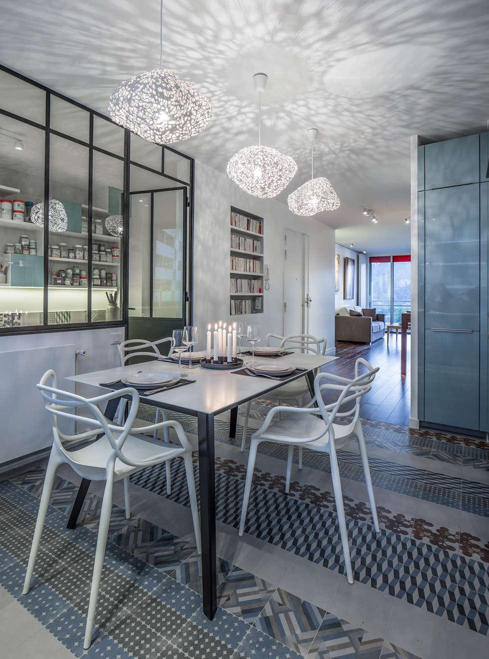 VUE SUR SEINE: Cuisine de style de style eclectique par AP ARCHITECTES