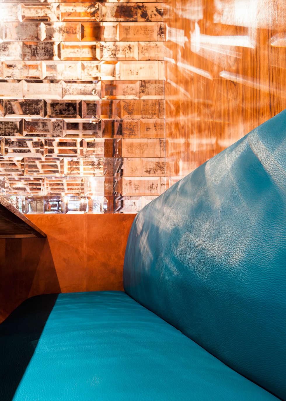 Detalhe estofado: Espaços gastronômicos  por MM18 Arquitetura