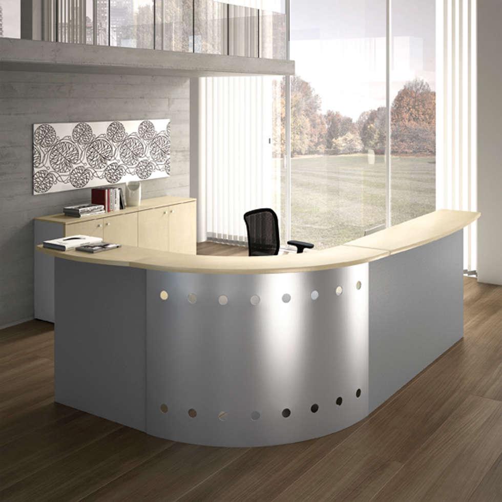 Reception AVANT in configurazione angolare: Complessi per uffici in stile  di Line Kit