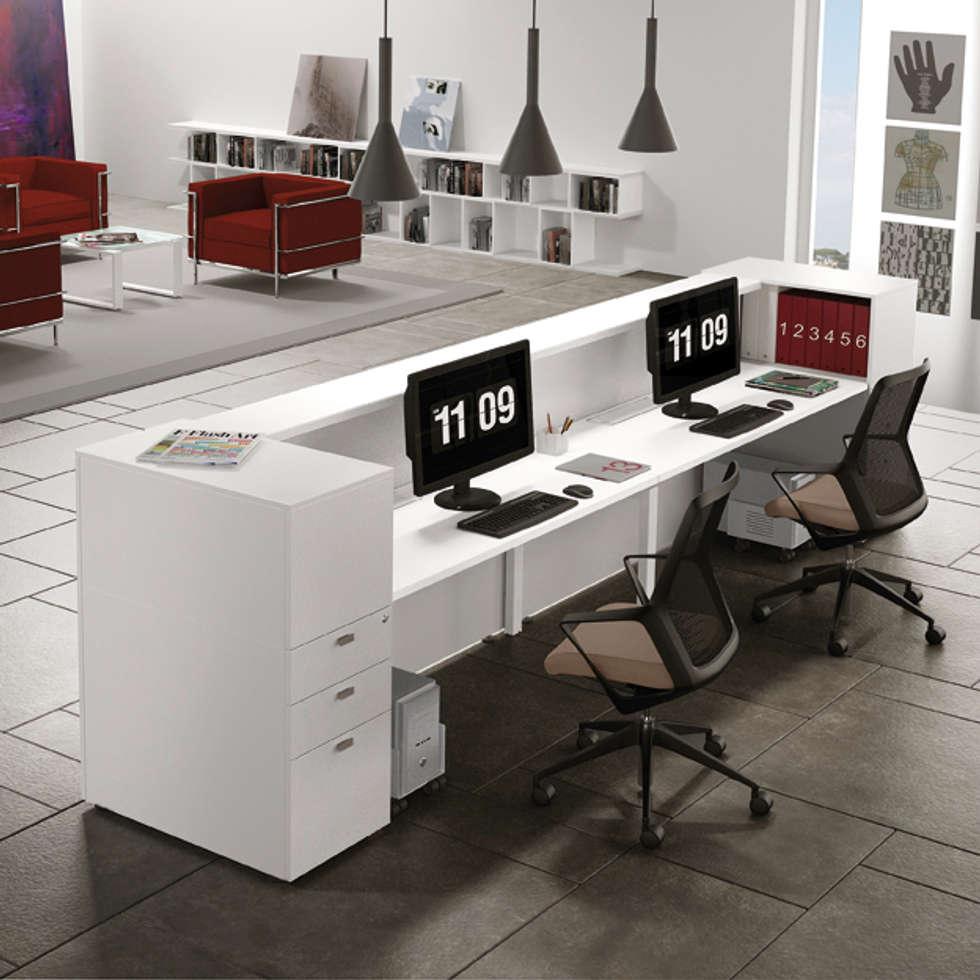 Reception AVANT in configurazione lineare: Complessi per uffici in stile  di Line Kit