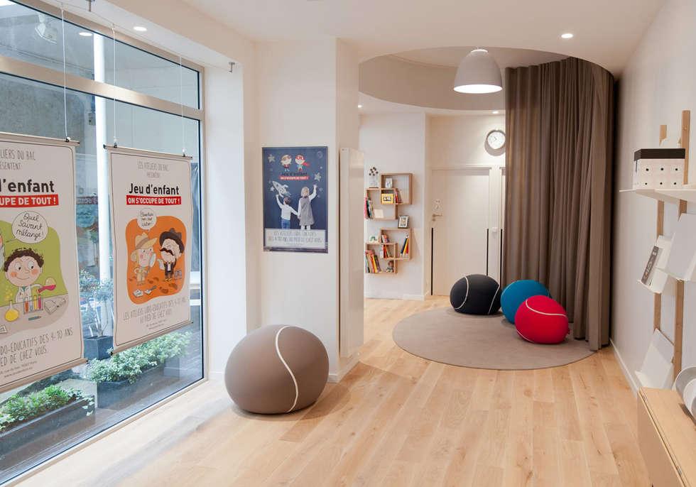 Salle 2: Locaux commerciaux & Magasins de style  par MELANIE LALLEMAND ARCHITECTURES