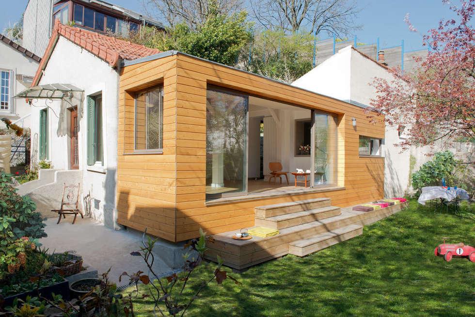 L'extension: Maisons de style de style Moderne par MELANIE LALLEMAND ARCHITECTURES
