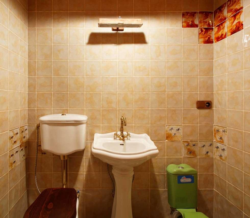 Дом в деревне: Ванные комнаты в . Автор – Хандсвел