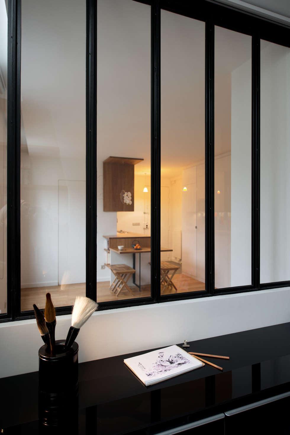 La baie: Chambre de style de style Moderne par MELANIE LALLEMAND ARCHITECTURES