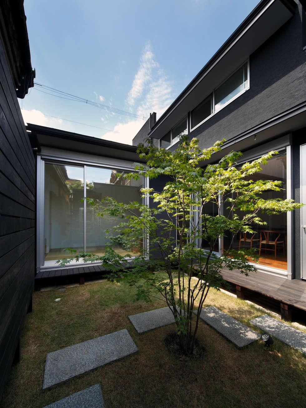 光庭: atelier mが手掛けた庭です。