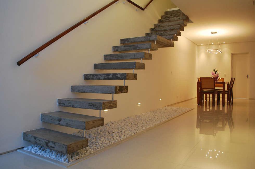 Escada: Corredores e halls de entrada  por ArkDek
