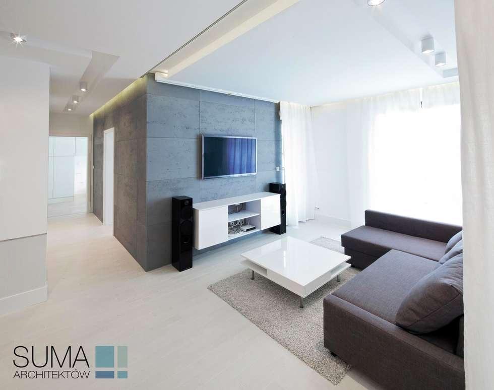 minimalistische Woonkamer door SUMA Architektów