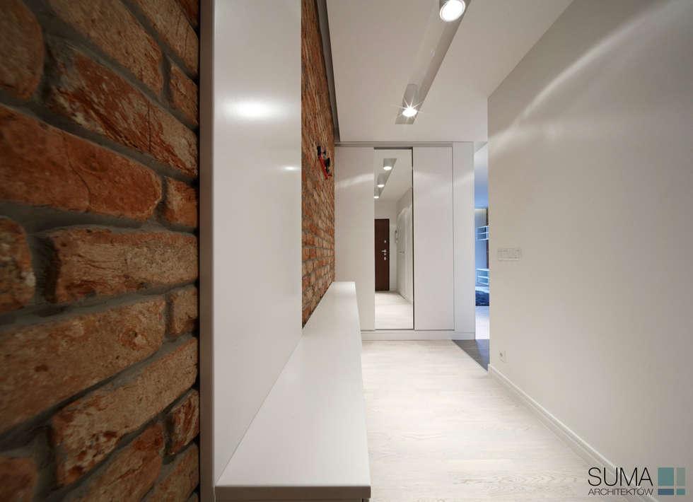 LOFT ONE: styl , w kategorii Korytarz, przedpokój zaprojektowany przez SUMA Architektów