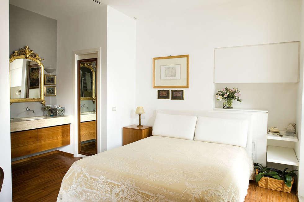 Casa C: Camera da letto in stile in stile Moderno di Giandomenico Florio Architetto