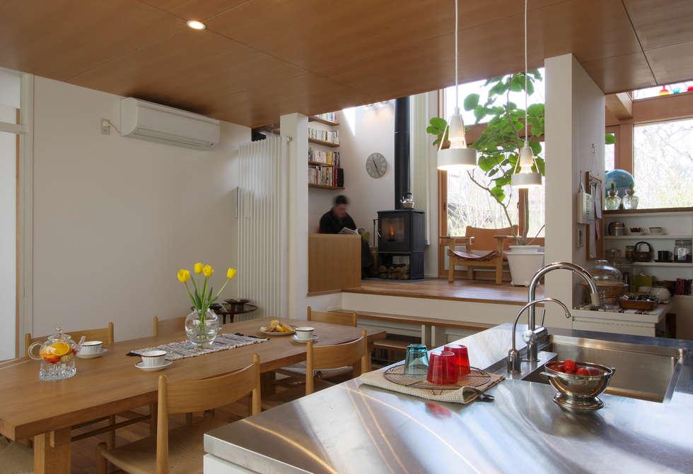 市川の家: 長浜信幸建築設計事務所が手掛けたダイニングです。