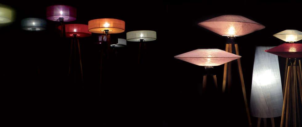 Composition de lampes: Hôtels de style  par Anne-Marie Zahar Créations