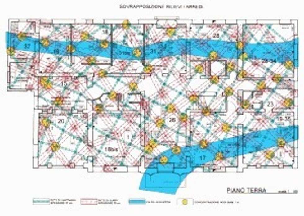 Indagine di geobiologia.: Ingresso & Corridoio in stile  di Giuseppe Maria Padoan bioarchitetto - casarmonia progetti e servizi