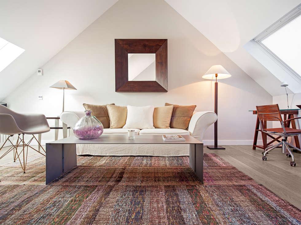 modern Living room by Tarimas de Autor