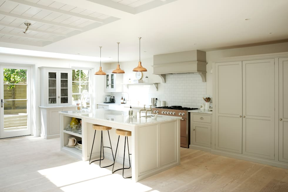 Cocinas de estilo rural de deVOL Kitchens