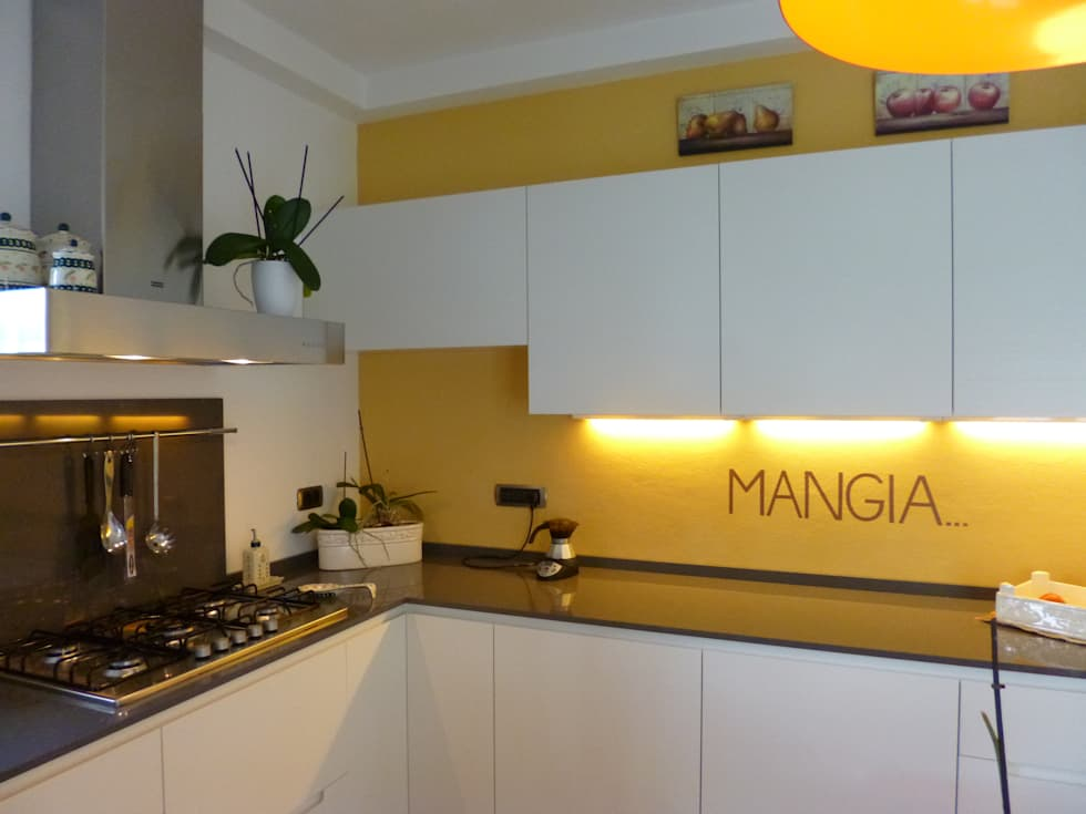 Casa degli ulivi, vivere fra terra a mare. Moneglia (Genova): Cucina in stile in stile Moderno di BaBo Design - Barbara Sabrina Borello