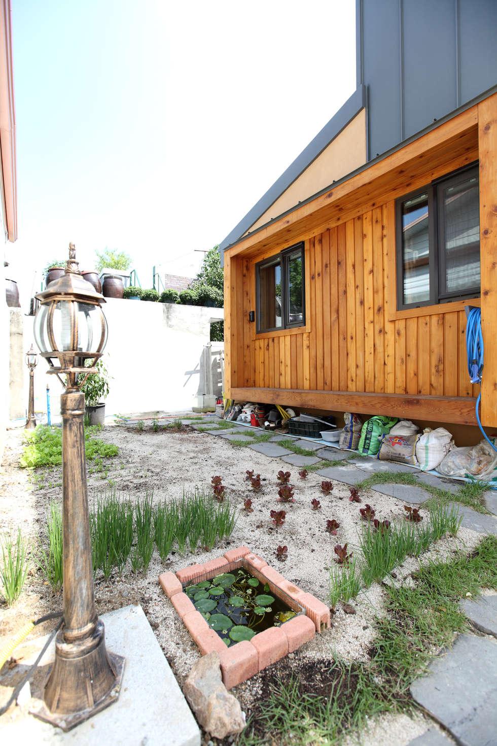 쌈지정원: 주택설계전문 디자인그룹 홈스타일토토의  정원