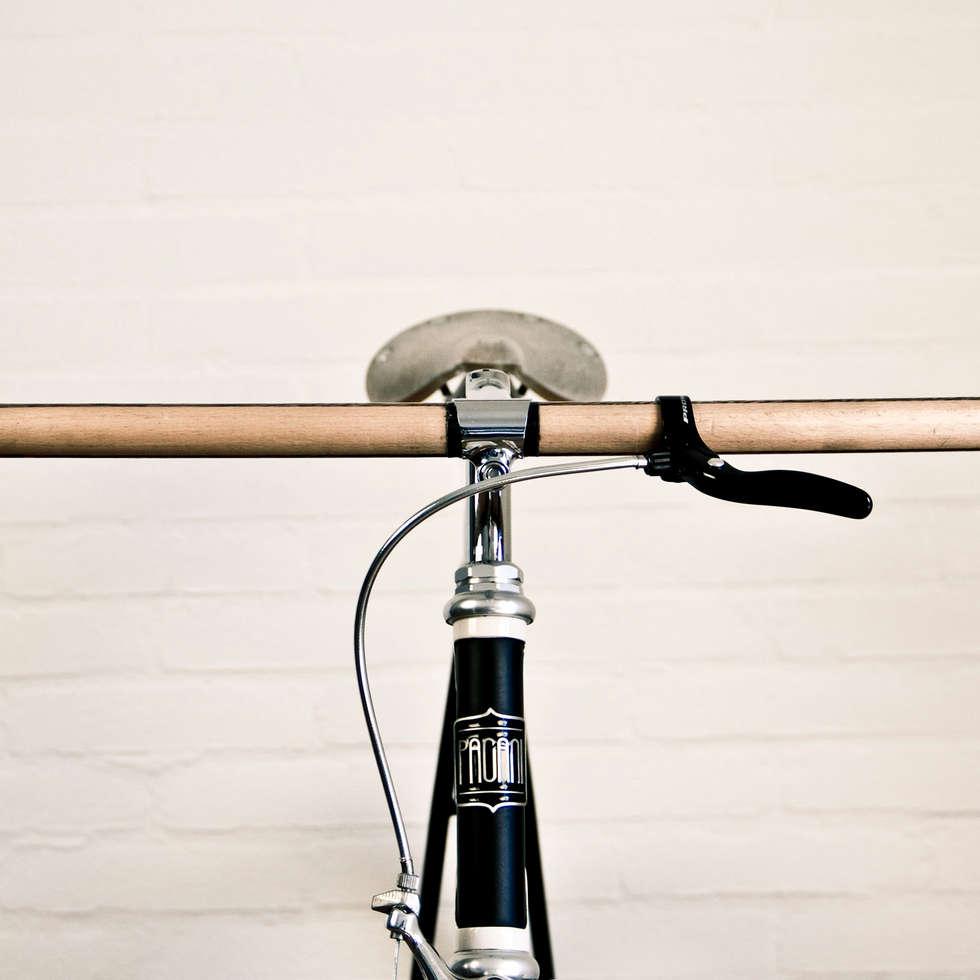 Pagani Bike 202: Soggiorno in stile in stile Moderno di Pagani Bike