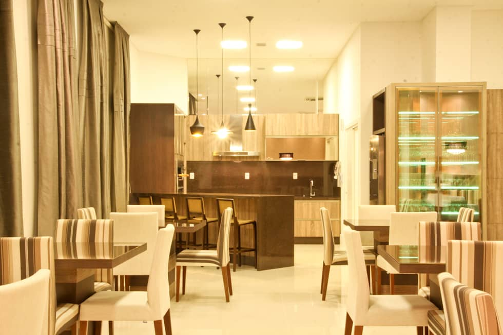 Salão de festas: Salas de estar modernas por Daniela Vieira Arquitetura