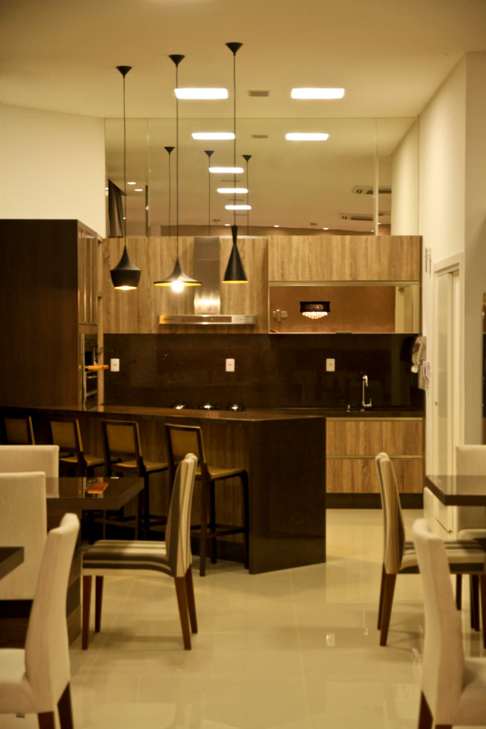 Cozinha do salão de festas: Cozinhas modernas por Daniela Vieira Arquitetura