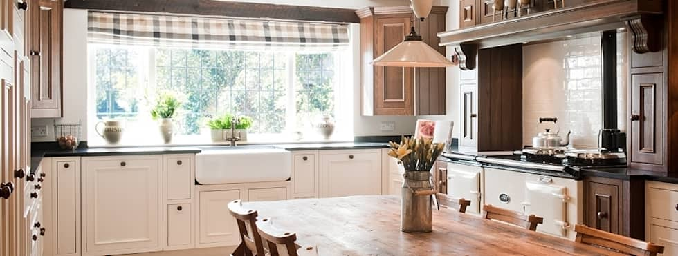 country Kitchen by Belvoir Interiors Ltd
