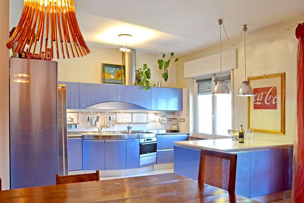 Sala da pranzo e Cucina Ola2000 Snaidero - by Pininfarina: Cucina in stile in stile Moderno di Architetti di Casa