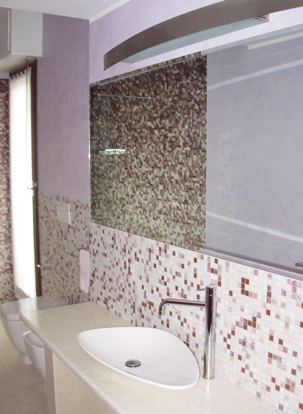 Halfmoon bath stato di fatto: Bagno in stile in stile Moderno di FAdesign