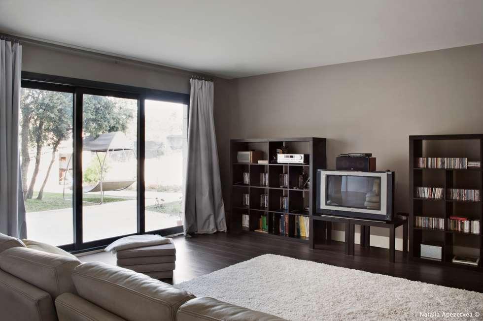 Moderne wohnzimmer von area feng shui arquitectura feng - Arquitectura feng shui ...