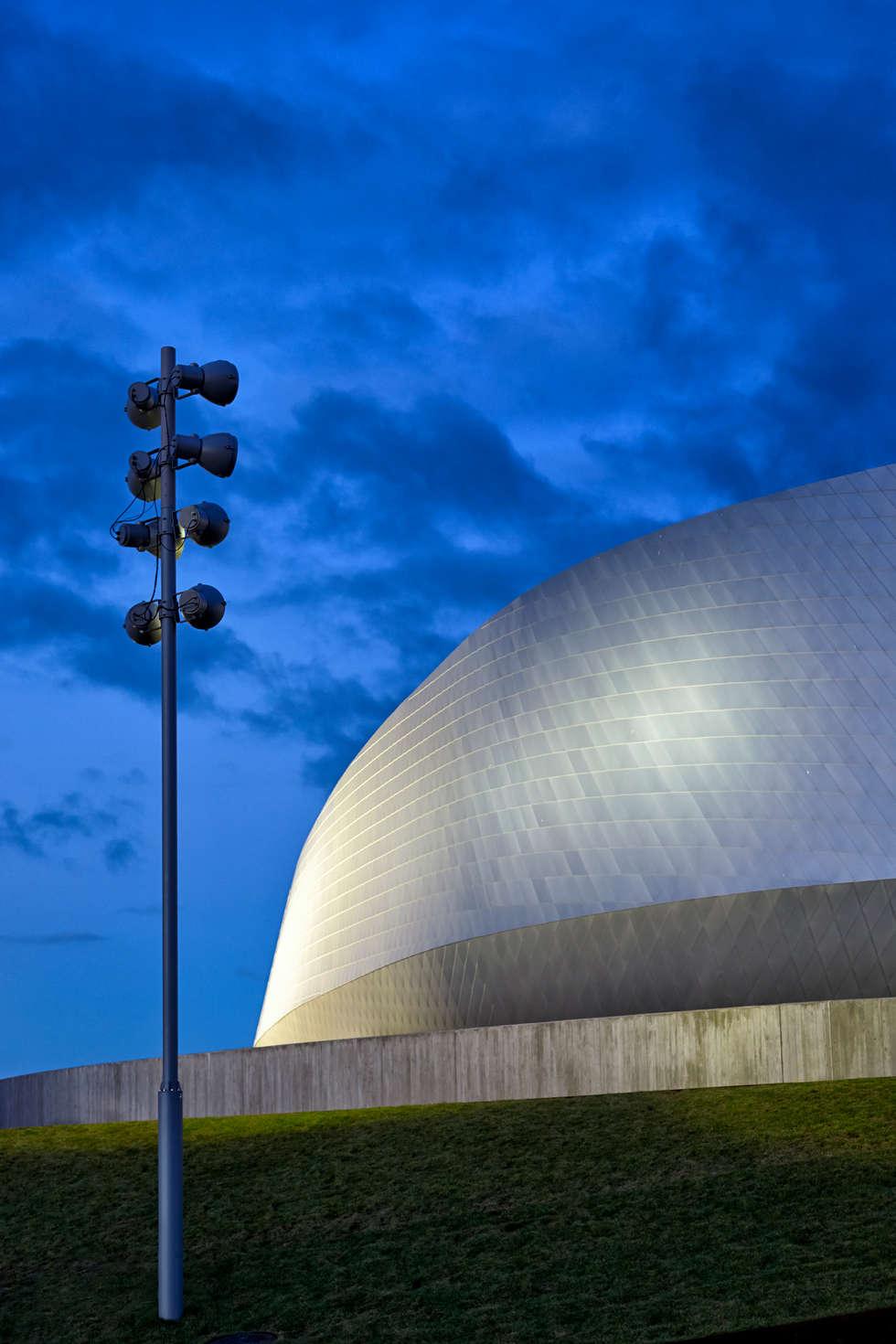 The Blue Planet - SIMES FOCUS - 3XN Architects: Centri congressi in stile  di Simes Spa