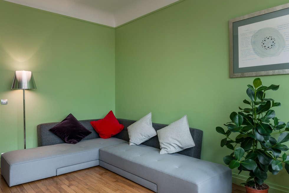 Salon canapé: Salon de style de style Moderne par Decorexpat