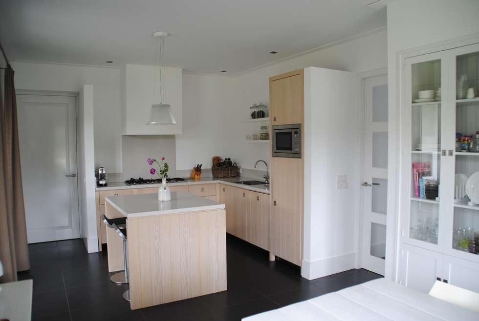 keuken: moderne Keuken door halma-architecten
