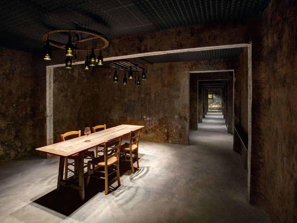 cantina MOROS: Gastronomia in stile  di studio Ingrosso