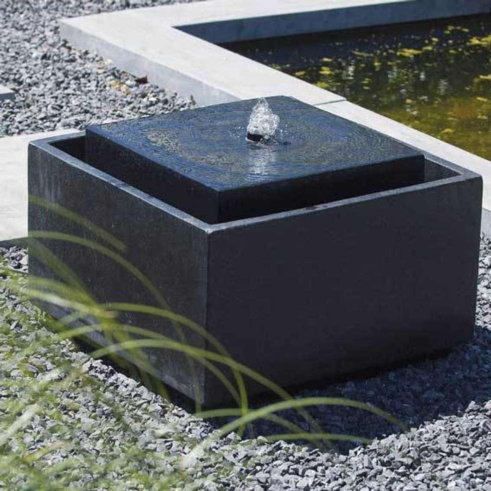 Fontaine de jardin Sonora: Jardin de style de style Minimaliste par Janelabe