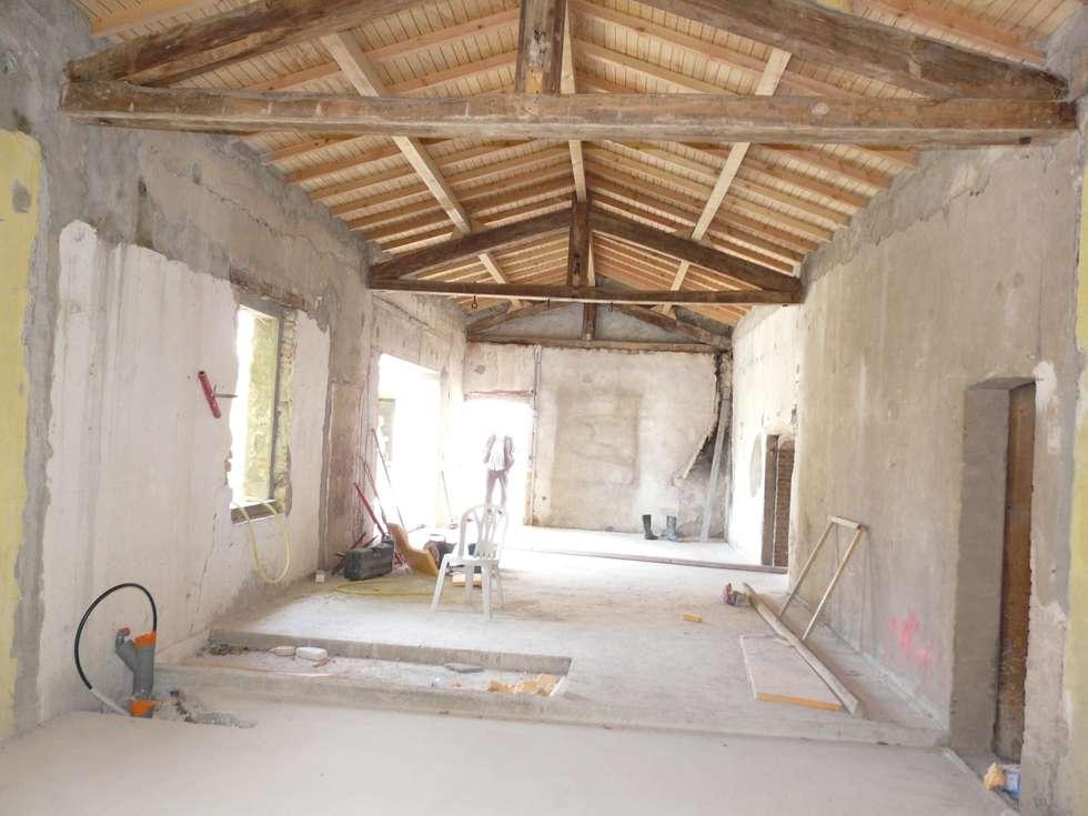 chantier en cours de style par atelier du grand tilleul homify. Black Bedroom Furniture Sets. Home Design Ideas