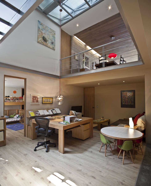 Edificio Teotihuacán-Interiores: Estudios y oficinas de estilo minimalista por Cm2 Management