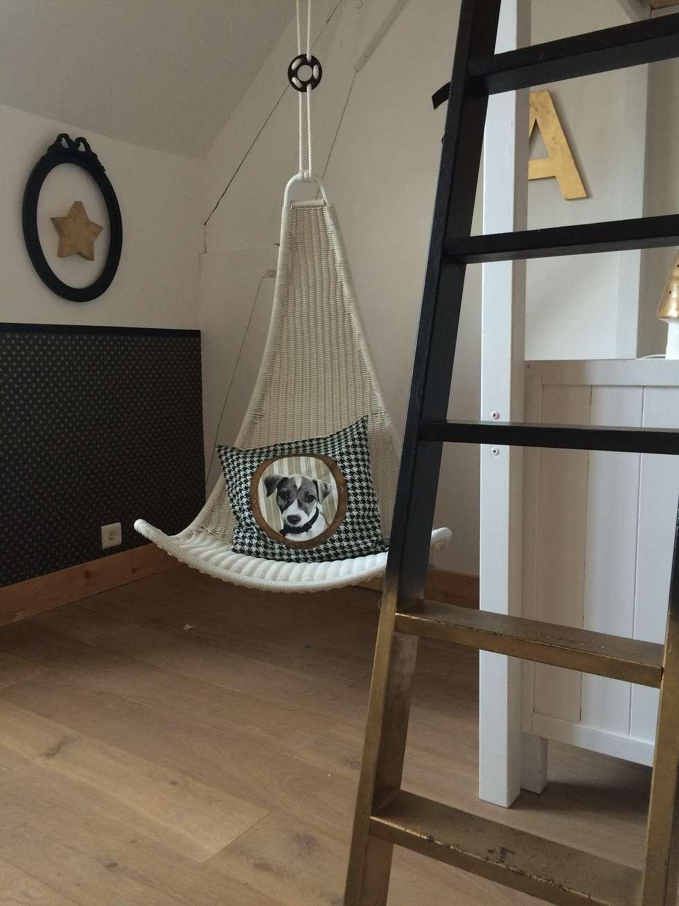 Une chambre pour 2: Chambre d'enfant de style de style Moderne par At Ome