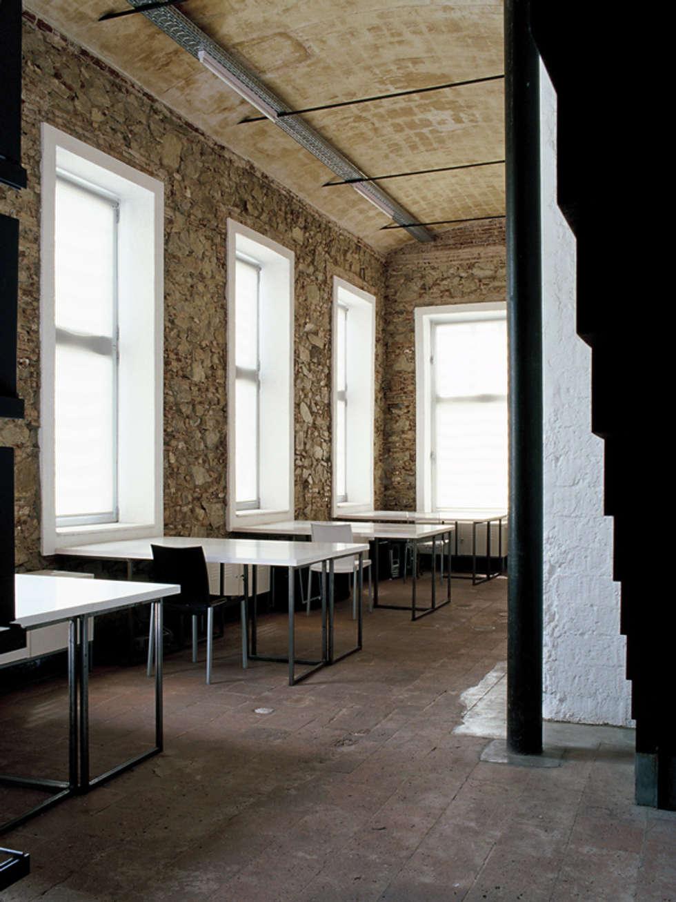 Fotos de decoraci n y dise o de interiores homify - Despacho arquitectura barcelona ...