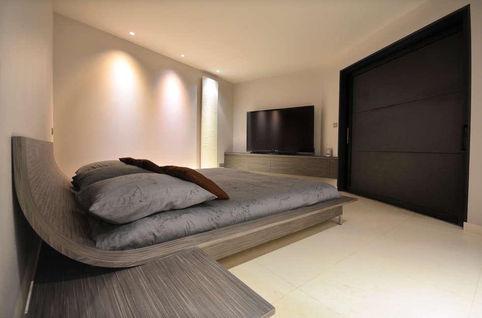 Suite parentale: Chambre de style de style Minimaliste par AGENCEMENT3D