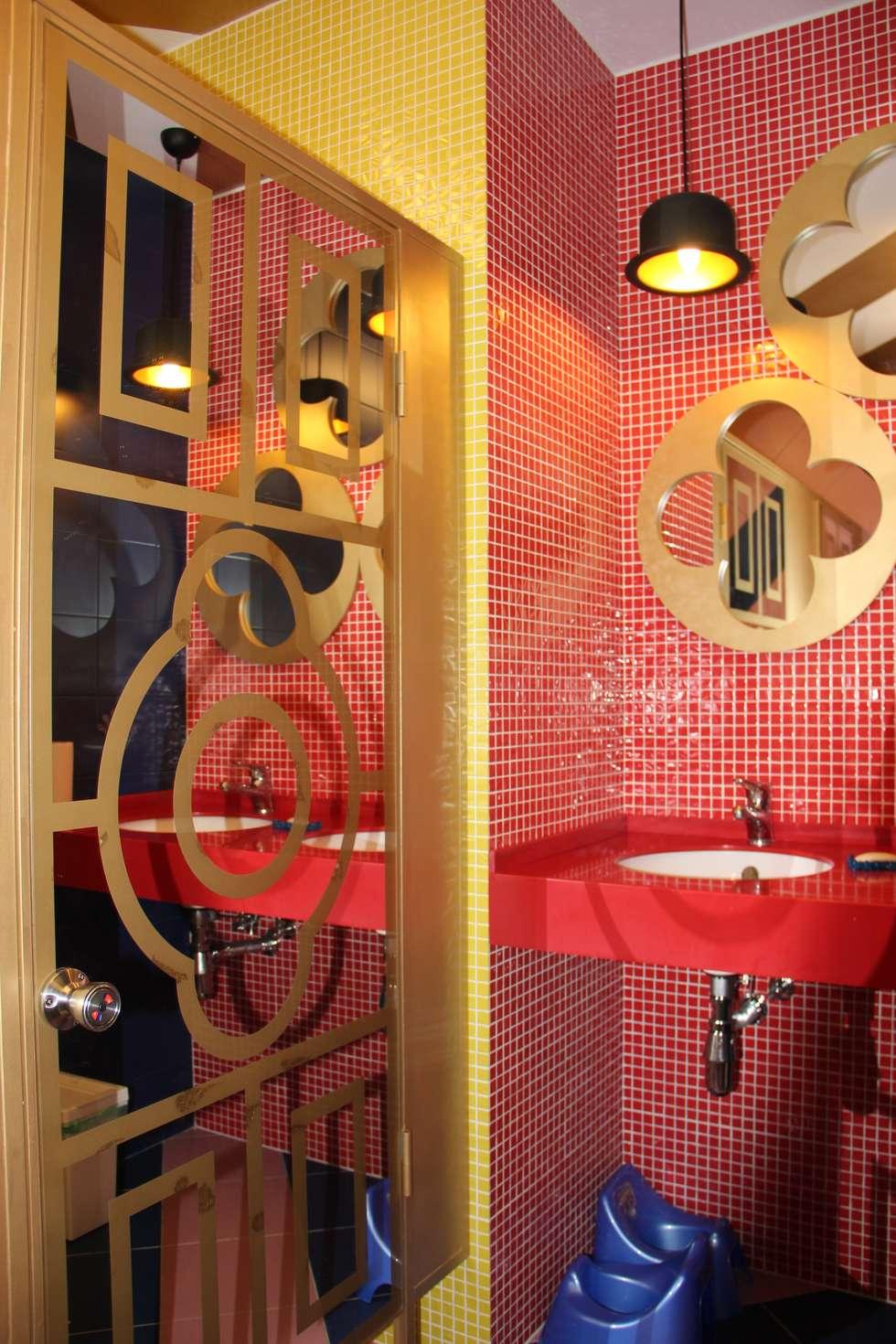 сан. узел для взрослых: Ванные комнаты в . Автор – Anna Vladimirova