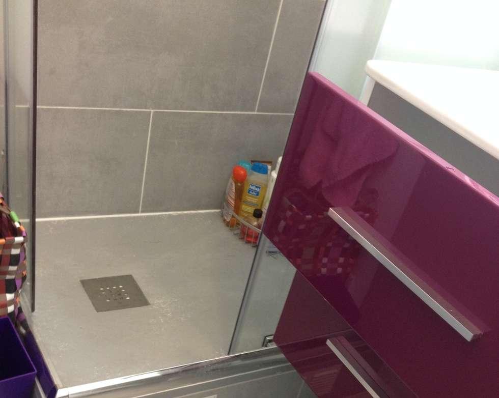 Salle de bain enfant moderne: Salle de bains de style  par Decorexpat