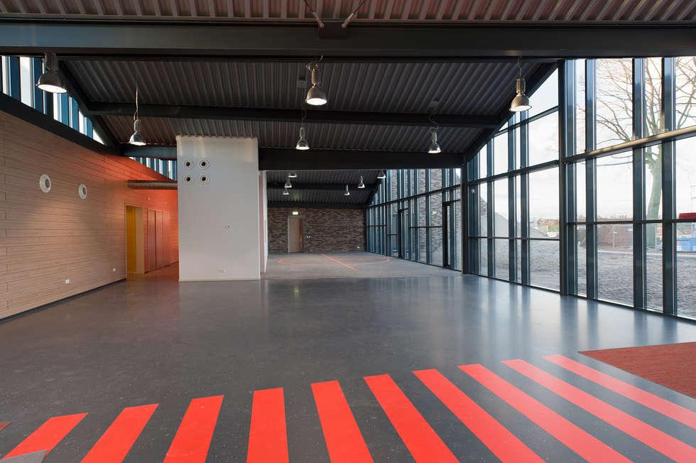 Multifunctionele hal:  Scholen door Peter van Aarsen Architect