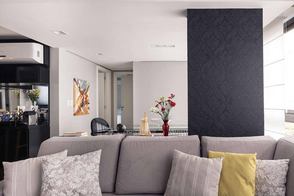 Estar e Jantar: Salas de estar modernas por Blacher Arquitetura