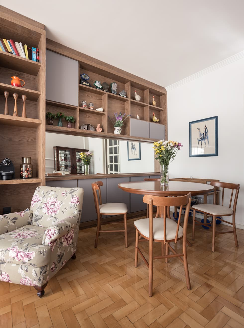 Estar: Salas de estar ecléticas por Blacher Arquitetura