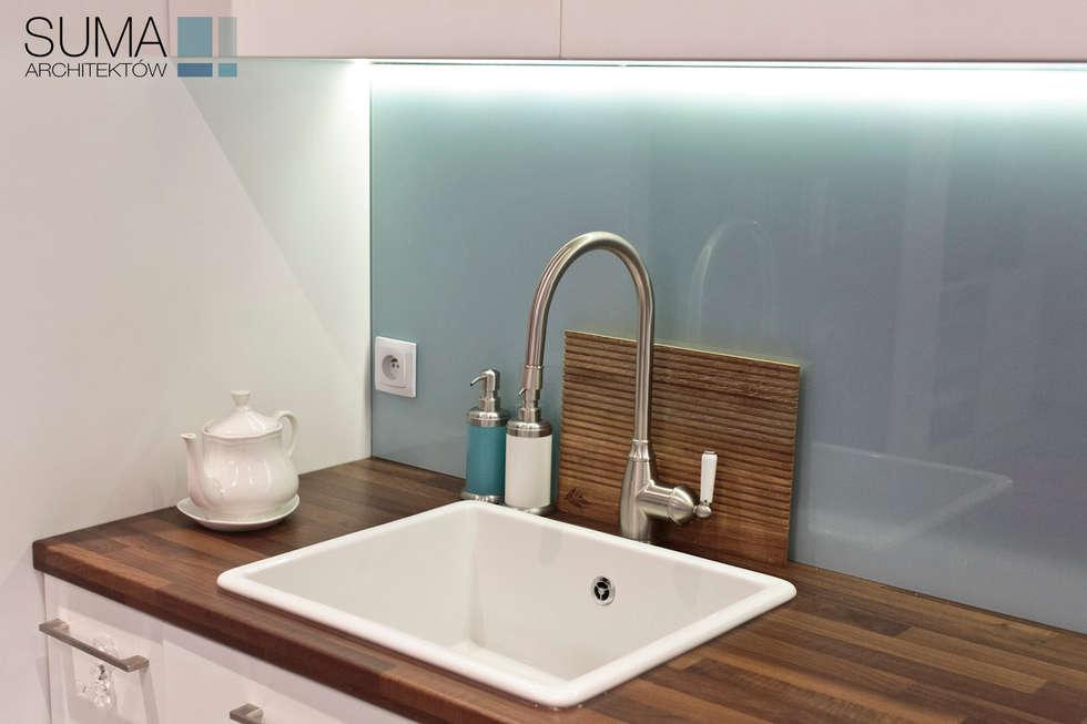 BLUE ONE: styl , w kategorii Kuchnia zaprojektowany przez SUMA Architektów